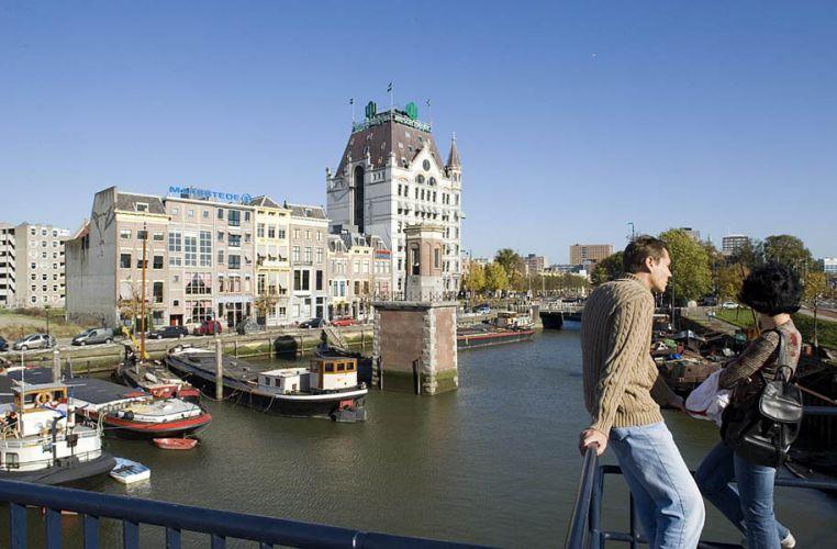 Rotterdam, Oude Haven bij WestblaakOpdracht NS Vastgoed