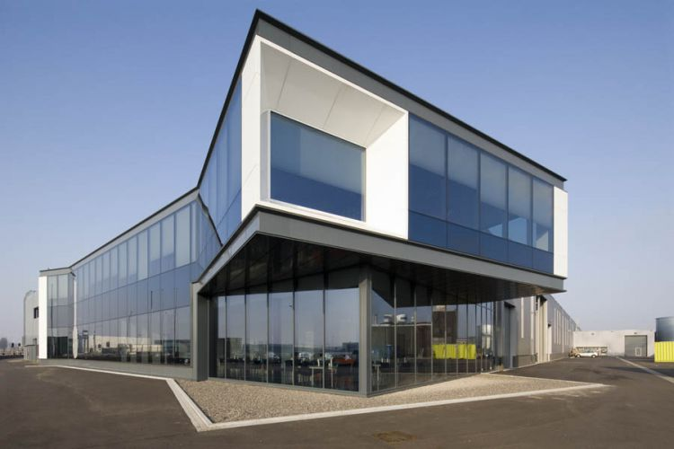 Roermond, bedrijfsgebouw Koma. Kern ArchitectenOpdracht ASW Gevelbouw